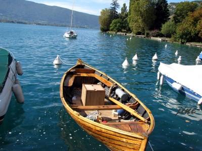 Barque au mouillage