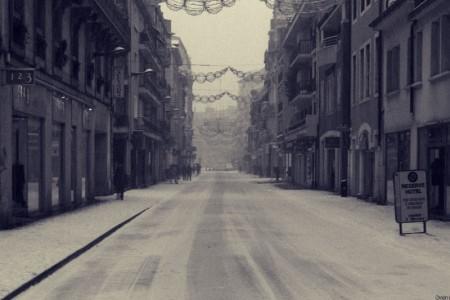 La ville se réveille sous la neige