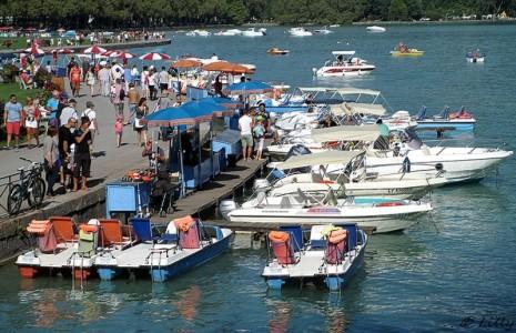 Bord de lac en été