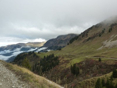 automne grisonnant en montagne