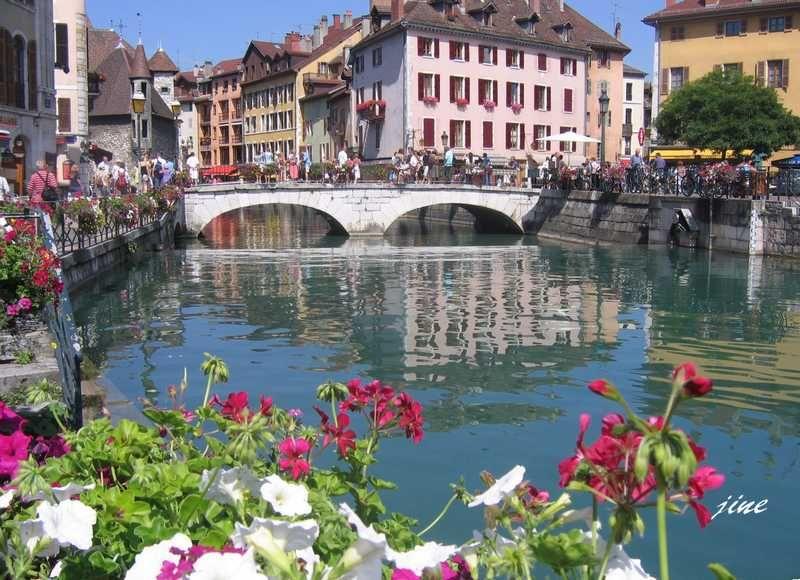 Vieil Annecy avec le Thiou