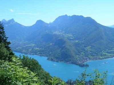 Le lac depuis les hauteurs