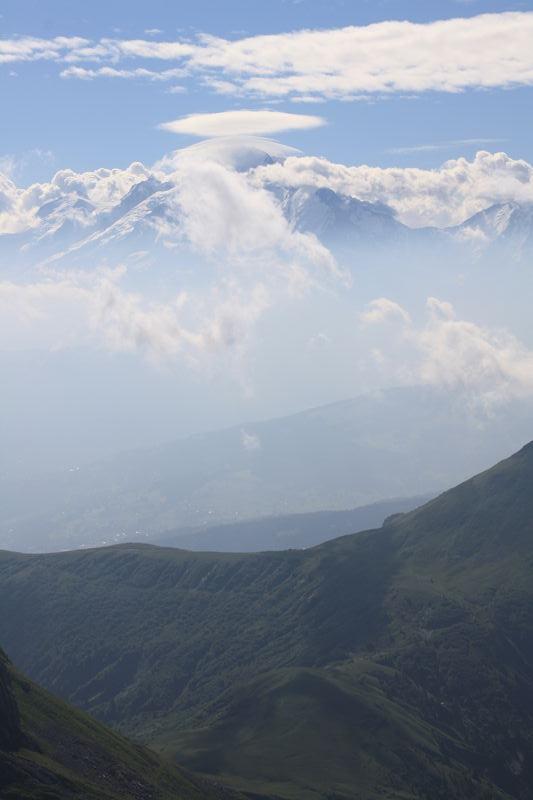 nuage sur le mont blanc