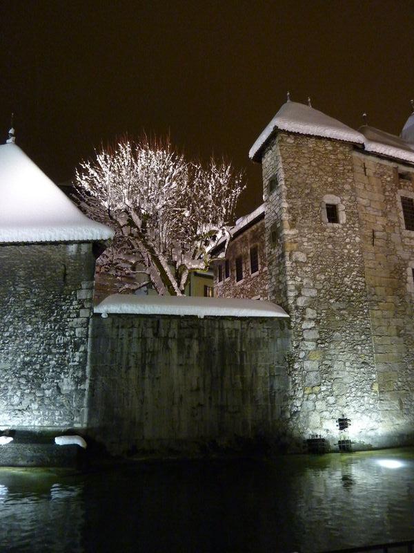 vieilles prisons sous la neige