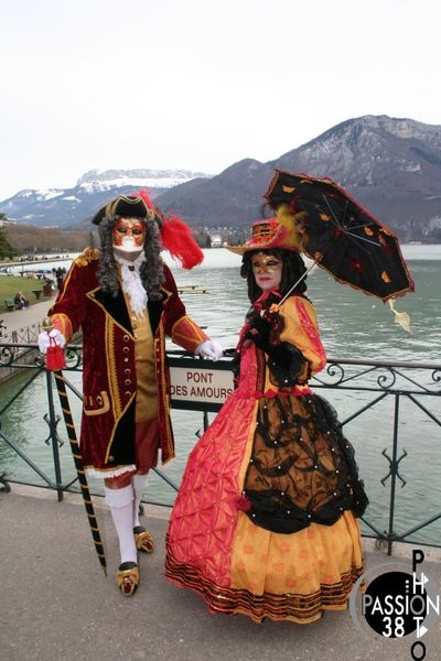 costumes à Annecy