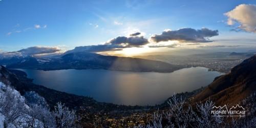 Derniers rayons de soleil sur le lac